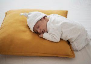 Dicas para aliviar Cólica em bebê como deitar