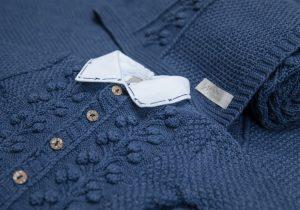 imagem de roupa azul de bebe